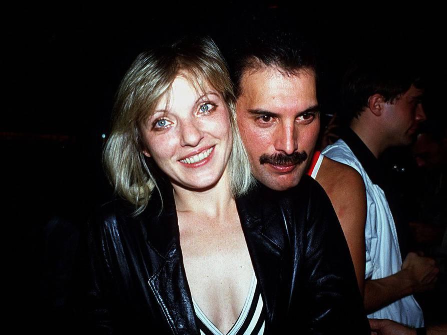 Se Cumplen 29 Años De La Muerte De Freddie Mercury Quien Fue Uno De Los Amores De Su Vida Conoce El Sitio De Su Destino Final Internacional Noticias El Universo