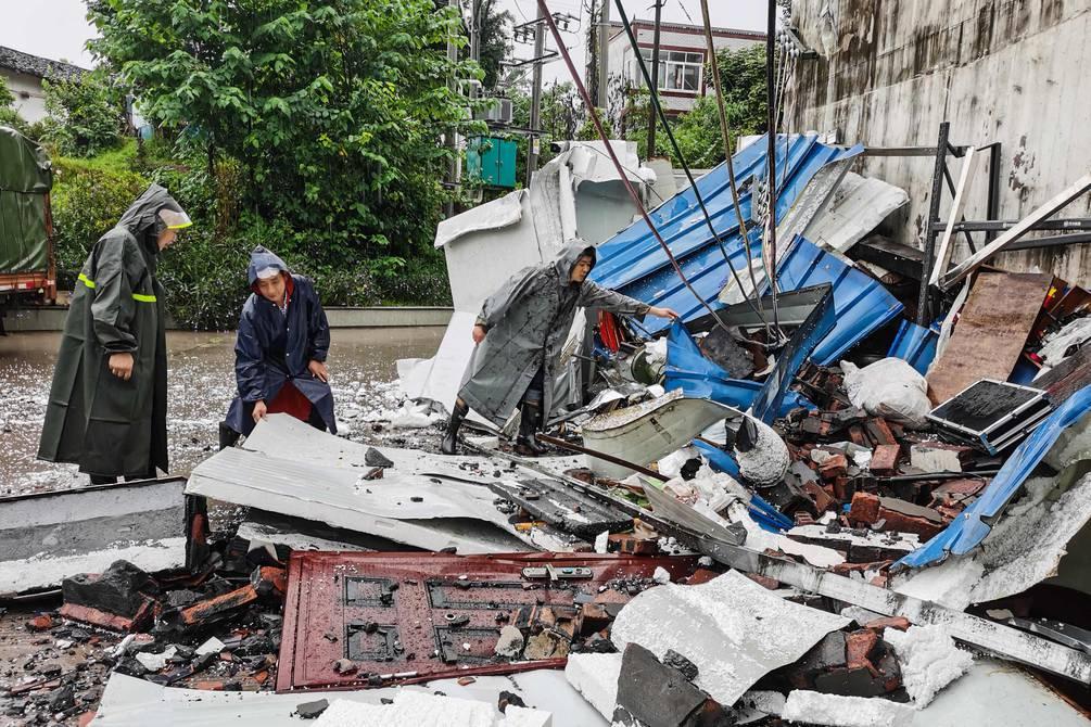 Tres muertos y decenas de heridos por un sismo en la provincia china de  Sichuan   Internacional   Noticias   El Universo