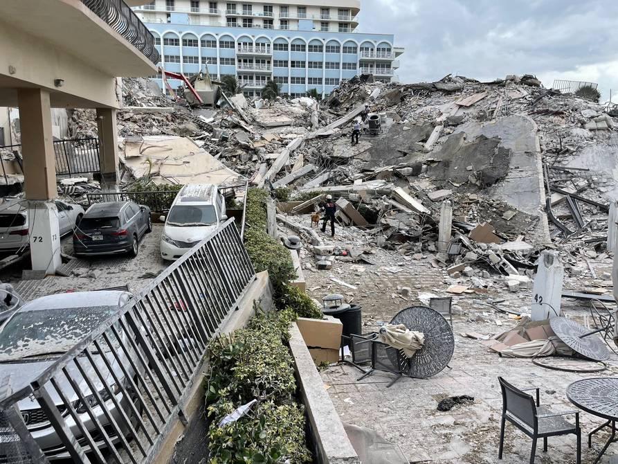 Aumentan a cuatro los muertos del derrumbe en edificio de Miami Beach,  buscan a 159 desaparecidos | Internacional | Noticias | El Universo